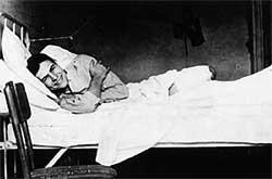 hemingway-bed